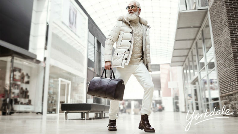 paul_mason_fashion_santa_yorkdale_mall_05