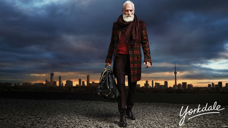 paul_mason_fashion_santa_yorkdale_mall_08