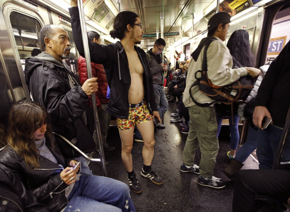no_pants_day_nyc_2016_05