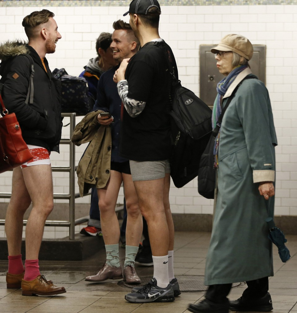 no_pants_day_nyc_2016_08