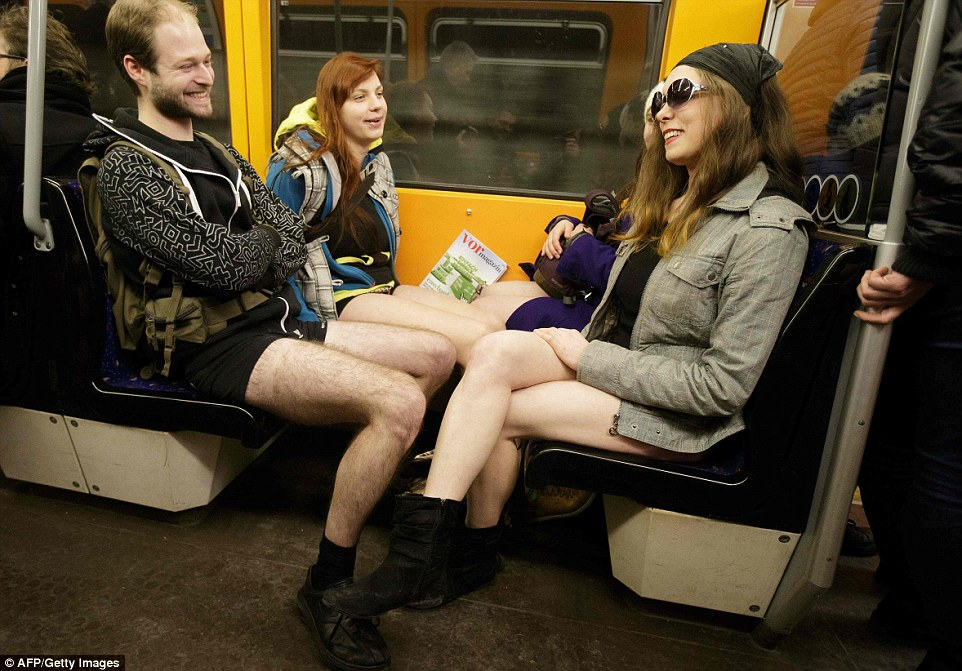 no_pants_day_nyc_2016_18