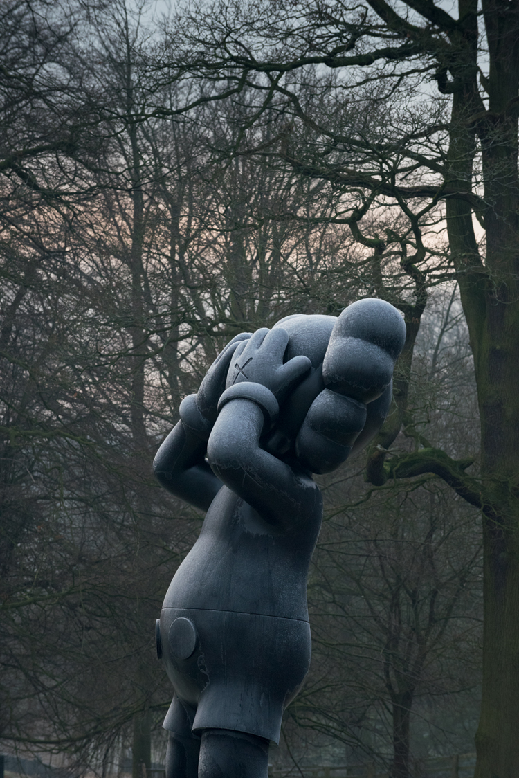 kaws_yorkshire_sculpture_park_01