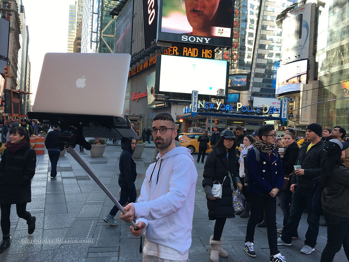 mac-book-selfie-stick-10