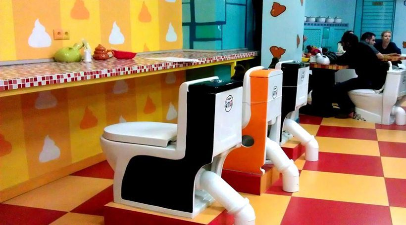 crazy_toilet_cafe_moscow_10