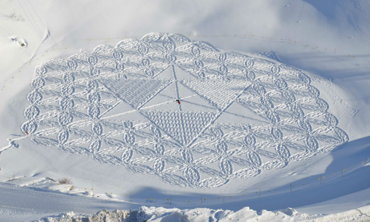 simon_beck_snow_art
