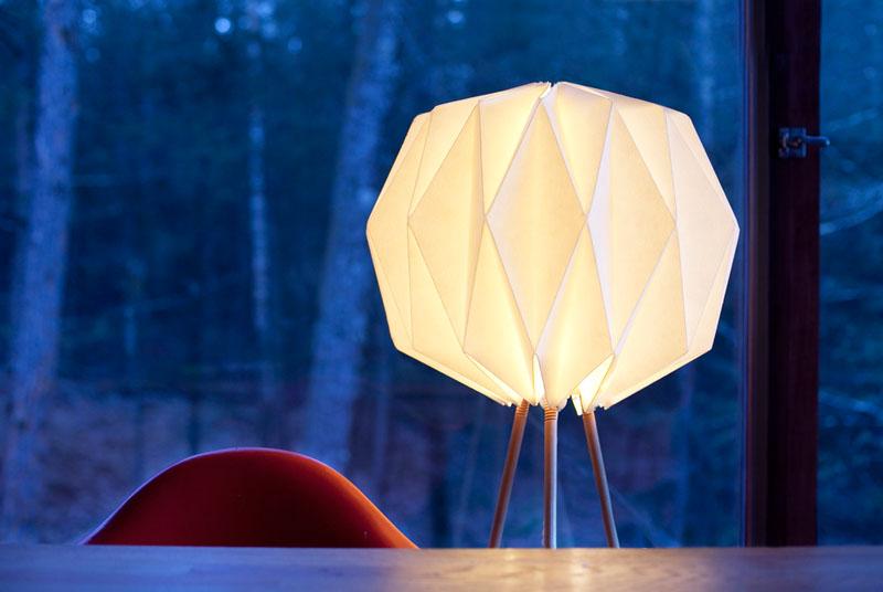 Kasia_Ozmin_Lindsay_Richardson_lampo_origami_lamp_07