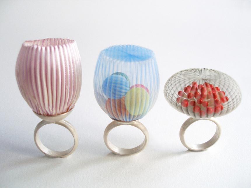mariko-kusumoto-fiber-art-jewelry-09