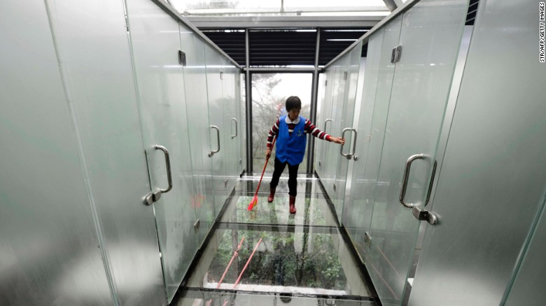 china-hunan-glass-toilet-exlarge-shiyan-lake-ecology-park-01